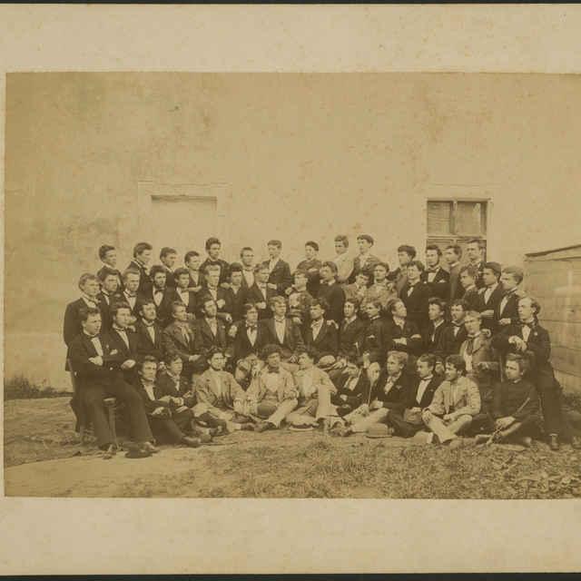 Foto študentov Ev. a. v. dištriktuálneho gymnázia v Kežmarku