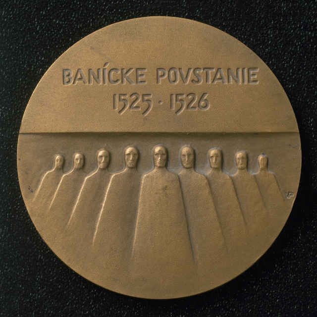 Medaila zo sady medailí k výročiu baníckeho povstania.