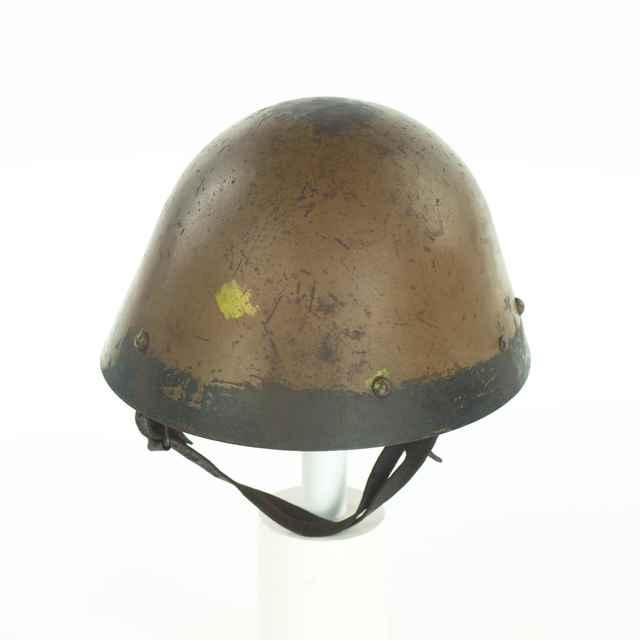 Prilba vojenská - neznámy (osobné meno)