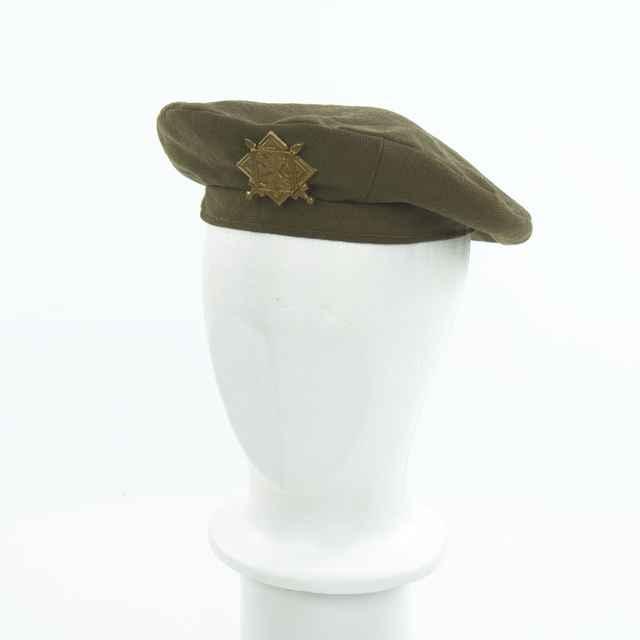 Vojenský beret L. Studničkovej