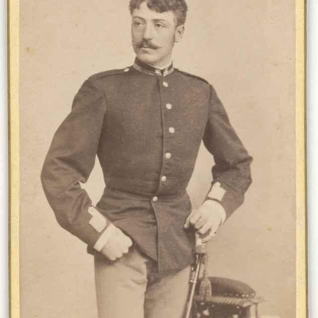 Portrét muža v uniforme - Divald, Karol