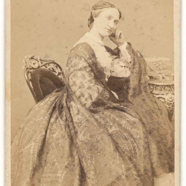 Portrét sediacej dámy - Kozič, Eduard