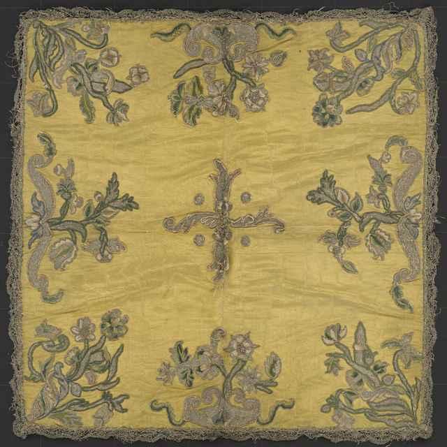 Vélum kalichové, žltý hodvábny atlas
