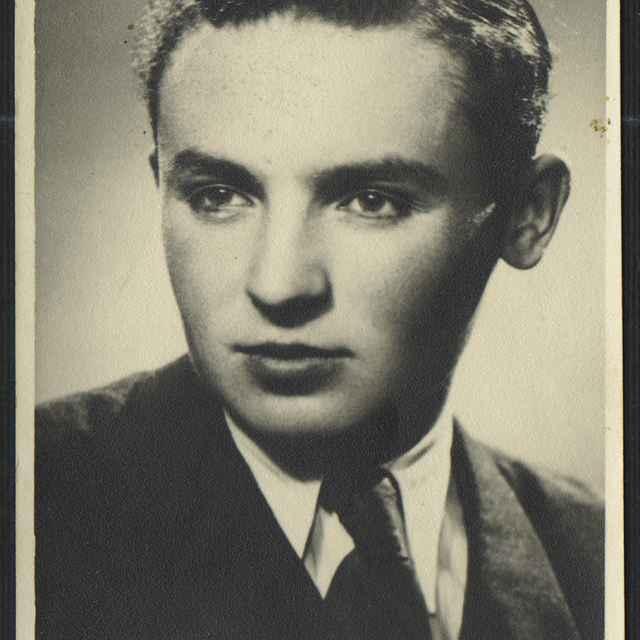 Fotografia muža, portrét - neznámy (osobné meno)
