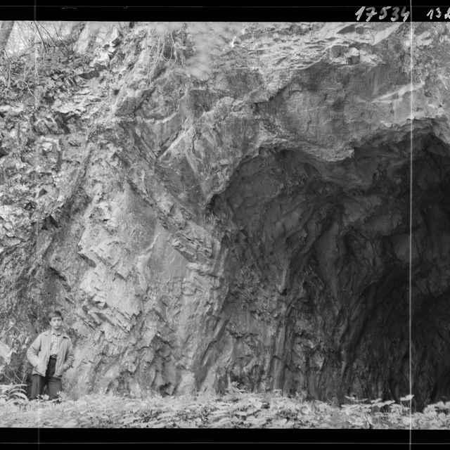Kláštorná jaskyňa (negatív) - Eliáš, Miroslav (fotograf)