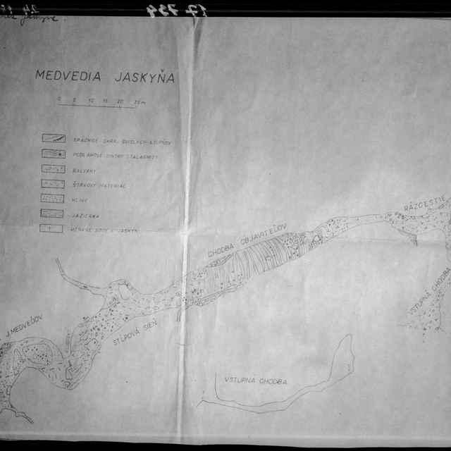 Medvedia jaskyňa (negatív) - Komunálne služby, Liptovský Mikuláš