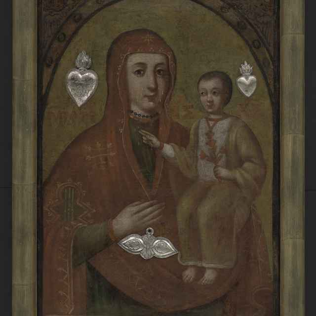 Obraz votívny - polopostava Madony s dieťaťom na ruke, pri hlavách dve horiace srdcia zo striebra, pri ruke štylizované oči, 53x37,5 cm, nový rám 60x44 cm - Muzeálny objekt