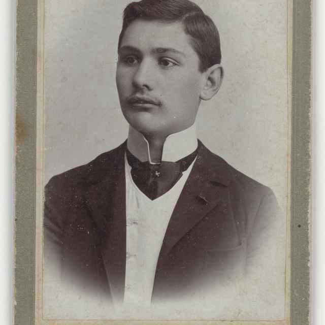 Portrét muža s vysokým golierom - Baker, Alajos