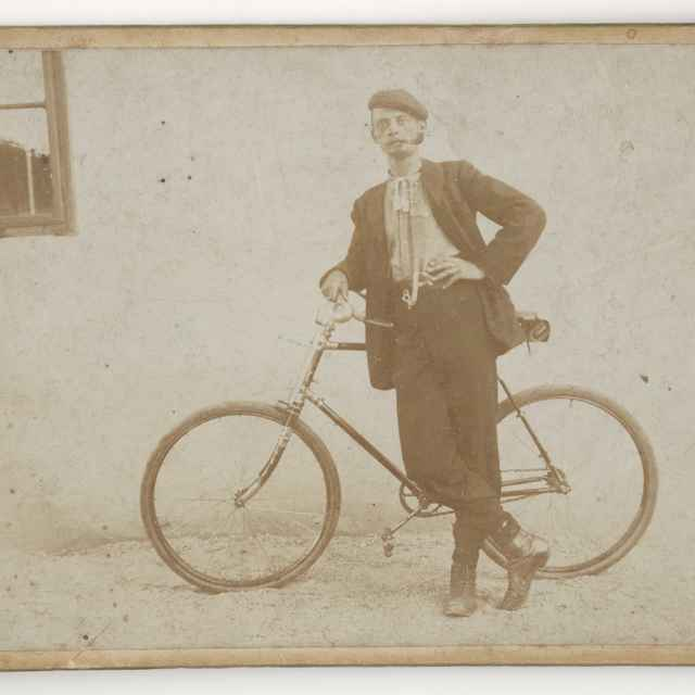 Portrét muža s bicyklom - Neznámy autor