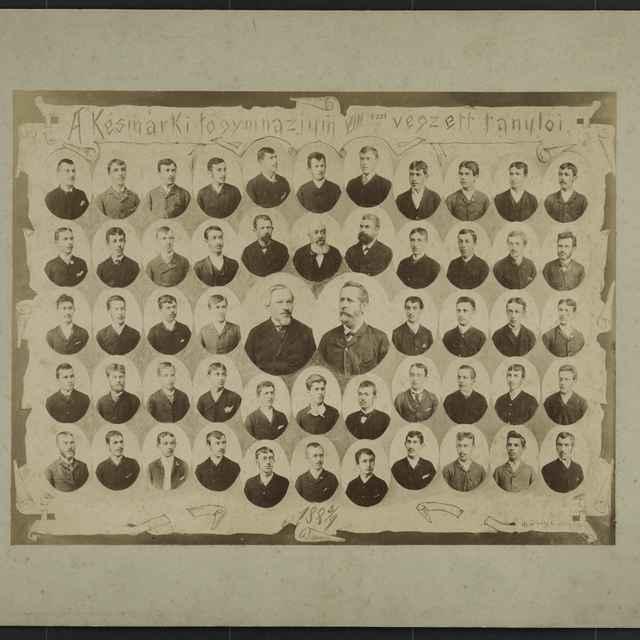 Foto tabla maturantov Ev.a.v. dištriktuálneho lýcea v Kežmarku 1888/89 - Divald Karol st.