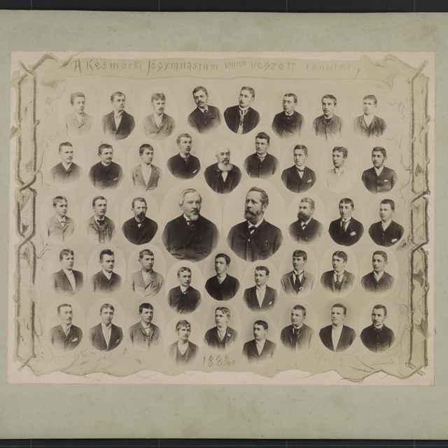 Foto tabla maturantov Ev.a.v. dištriktuálneho lýcea v Kežmarku 1889/1890 - Divald Karol ml.