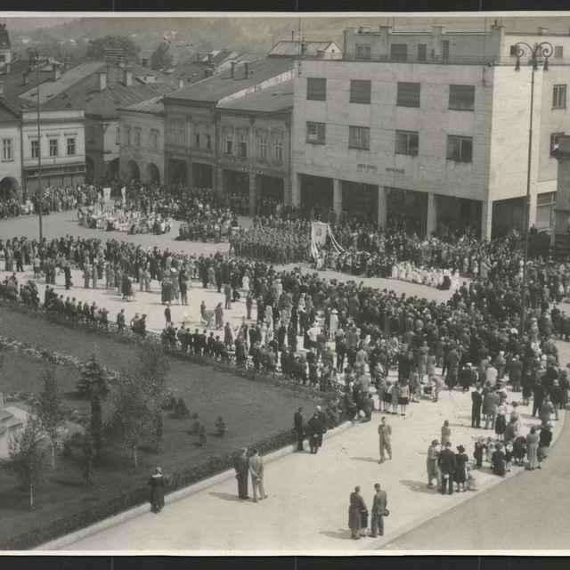 Fotopozitív:Božie telo v Ziline,r.1942