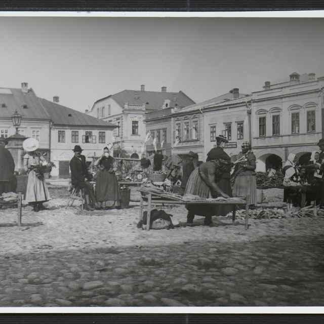 Fotografia Žiliny - Mariánske námestie - Tatár, Július