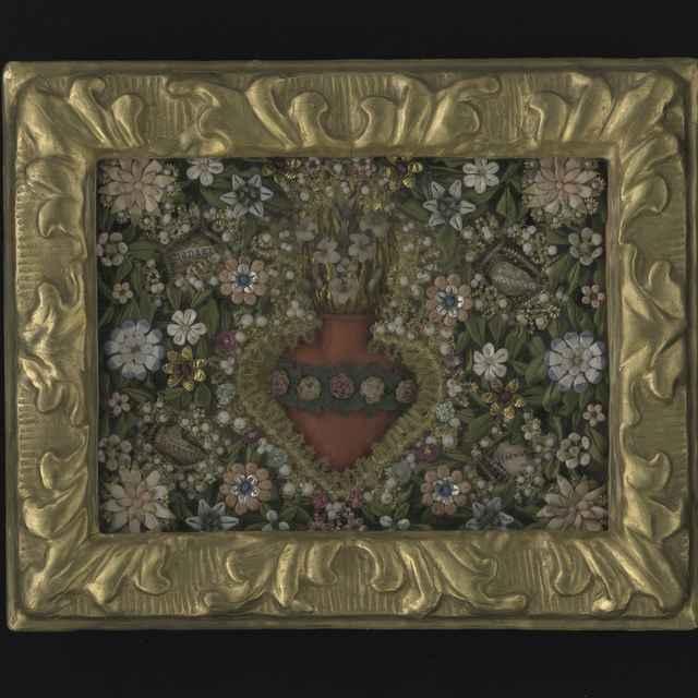 Obraz kláštorný - Božské srdce, umelé kvety z hodvábu, voskové srdce, pozlátený drevený rám, sklo, 22,3x27,4 cm