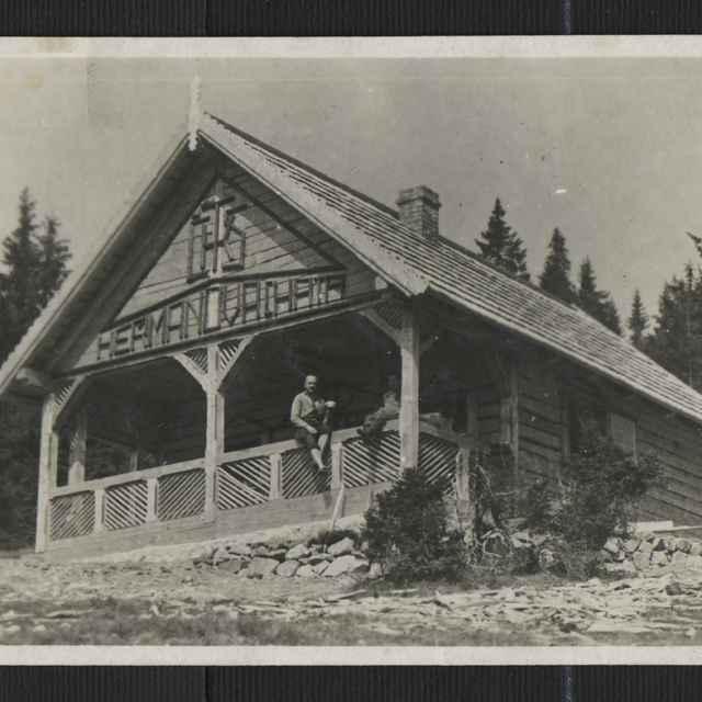 Fotopohľadnica:Hermanova chata Smrekovica