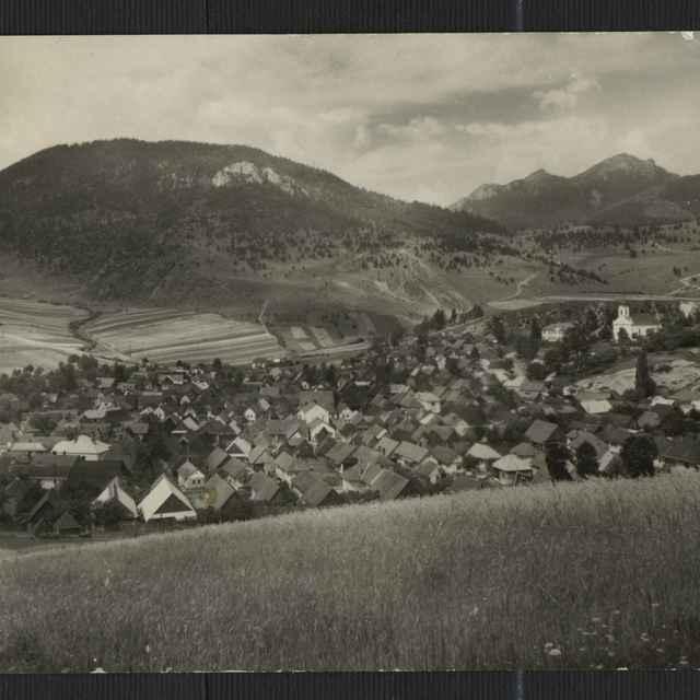 Fotopohľadnica: Štátne kúpele Lúčky. Pohľad na obec