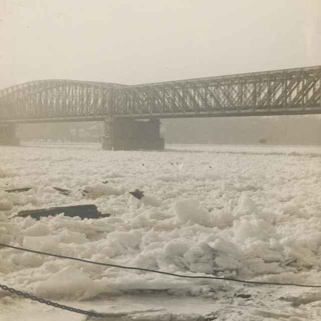 Ľadové kryhy na Dunaji vBratislave - Dohnány, Miloš