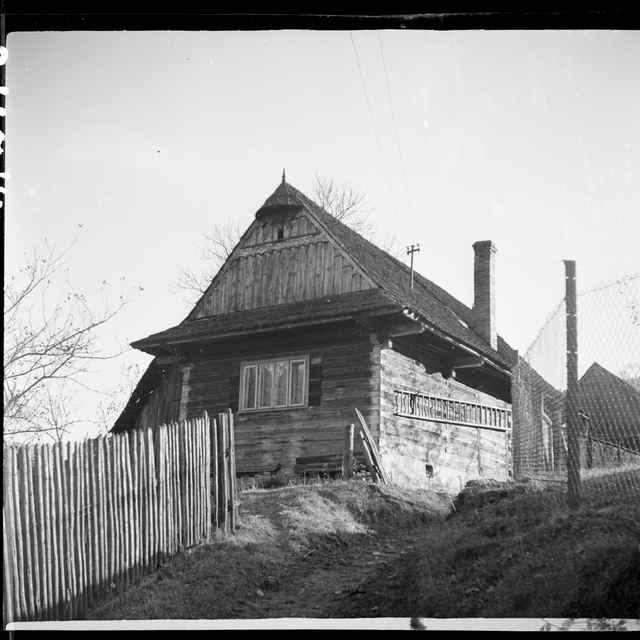 Fotonegatív čiernobiely Vysoká nad Kysucou