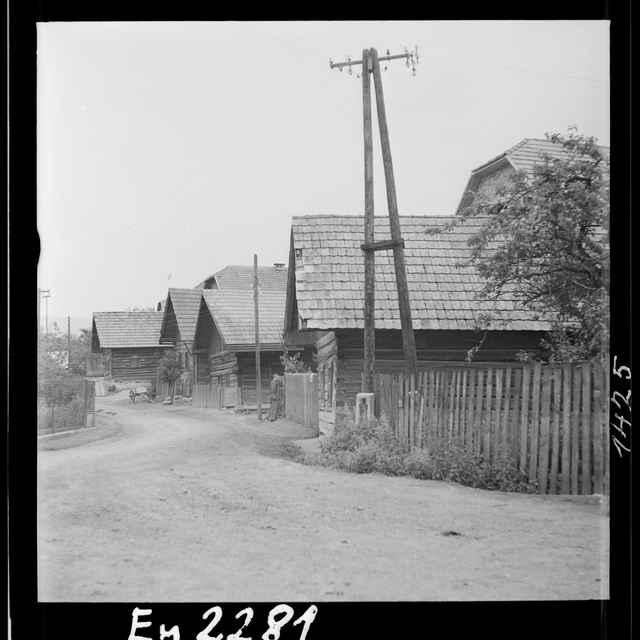 Fotonegatív čiernobiely Čelkova Lehota