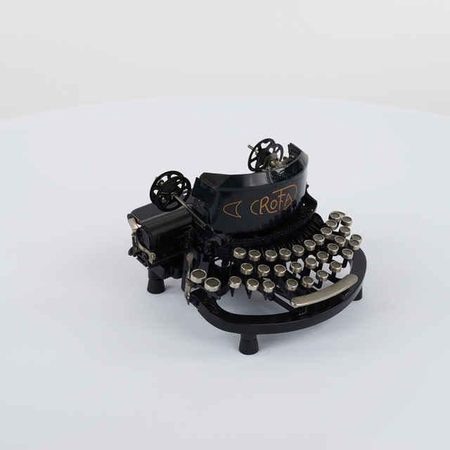 Stroj písací zn. Rofa