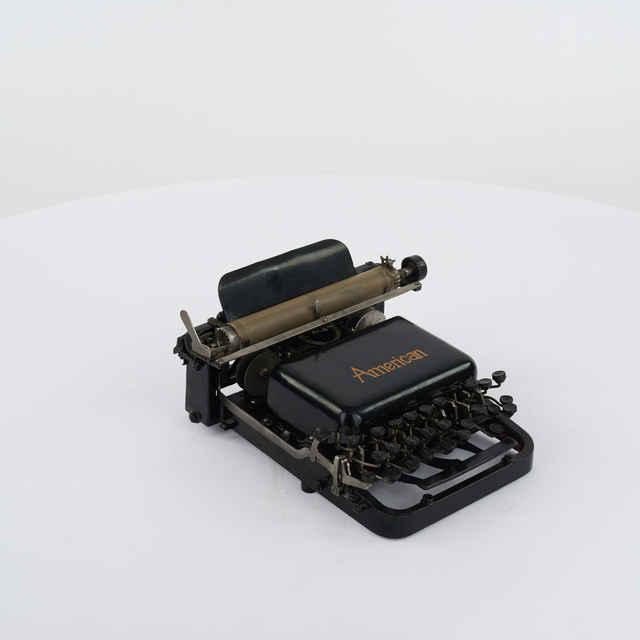 Stroj písací zn. American