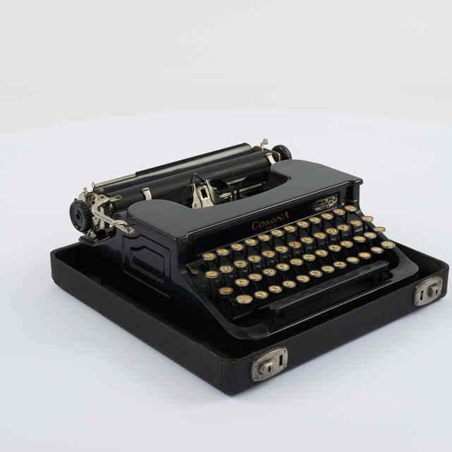 Stroj písací zn. Corona