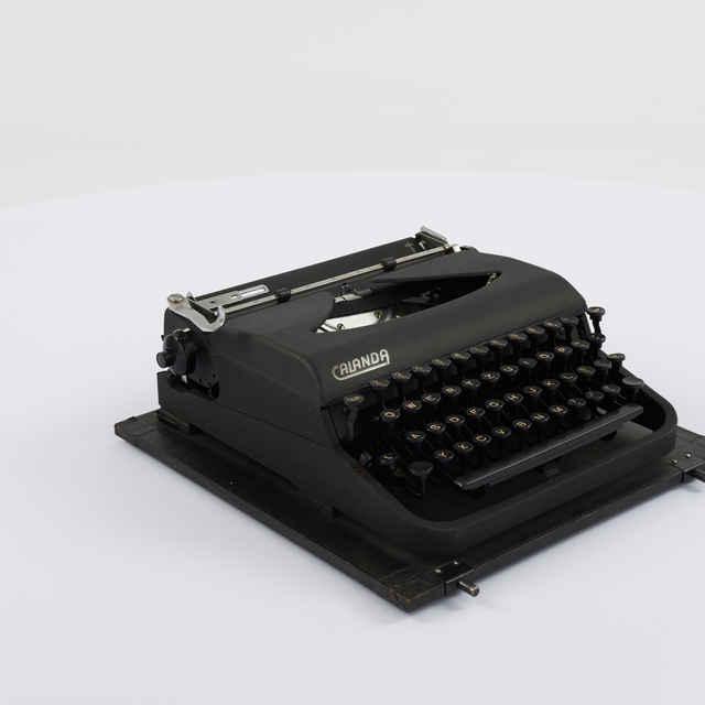 Stroj písací zn. Calanda