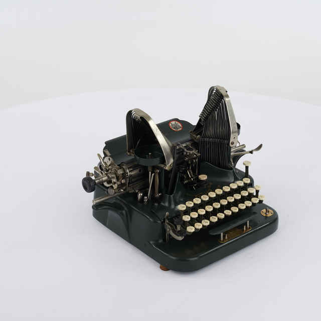 Stroj písací zn. Oliver