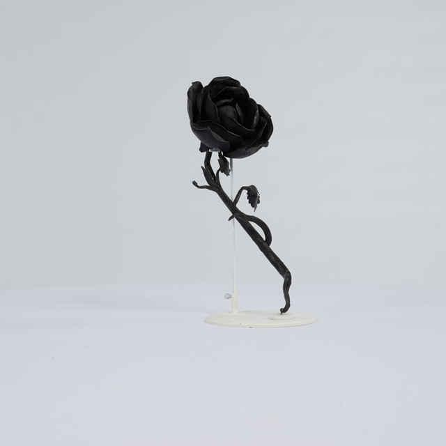 Prvok ozdobný-čierna ruža kovová veľká