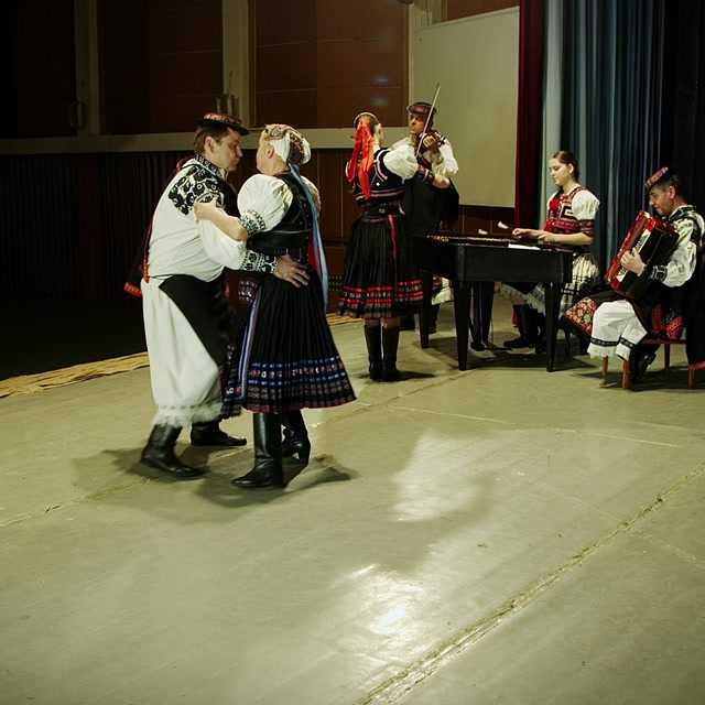 Valčík, Poľka, Tango