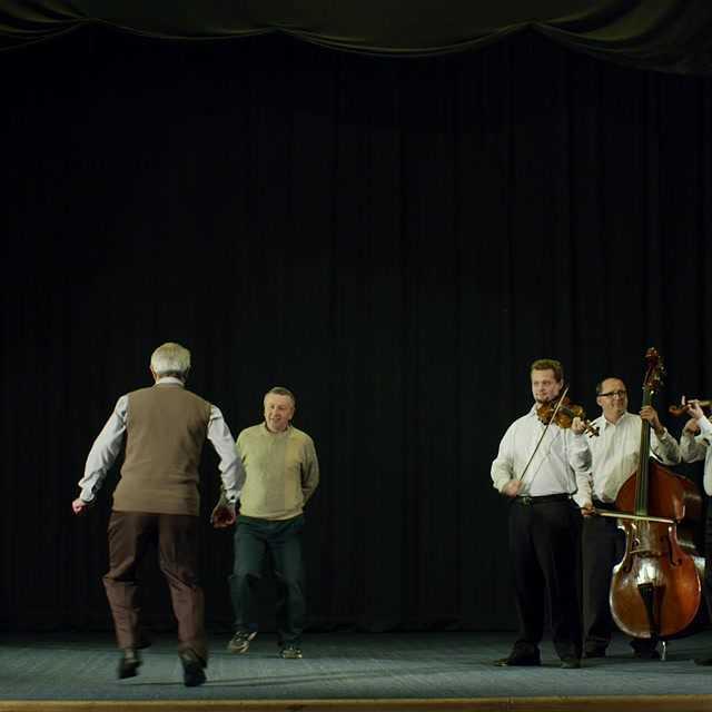 Roskazuvački - mužské tanečné motívy