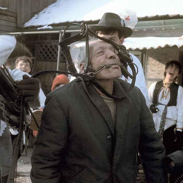 Fašiangová obchôdzka v Borskom Mikuláši 001-04