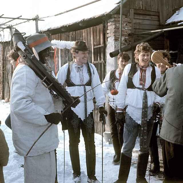 Fašiangová obchôdzka v Borskom Mikuláši 001-03