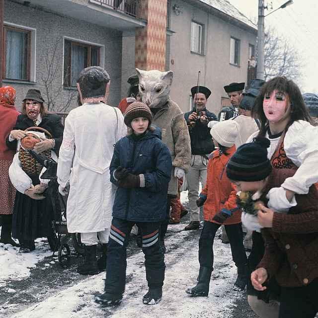 Fašiangová obchôdzka v Gbeľanoch 001-06