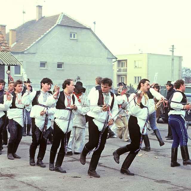 Tanec pod šable zo Stráží 001-01