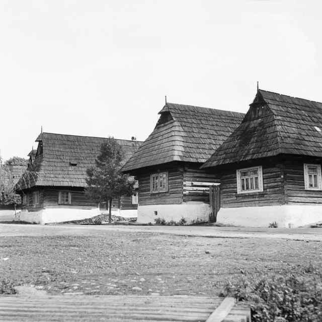 Obytné domy v obci Podbiel 002-01