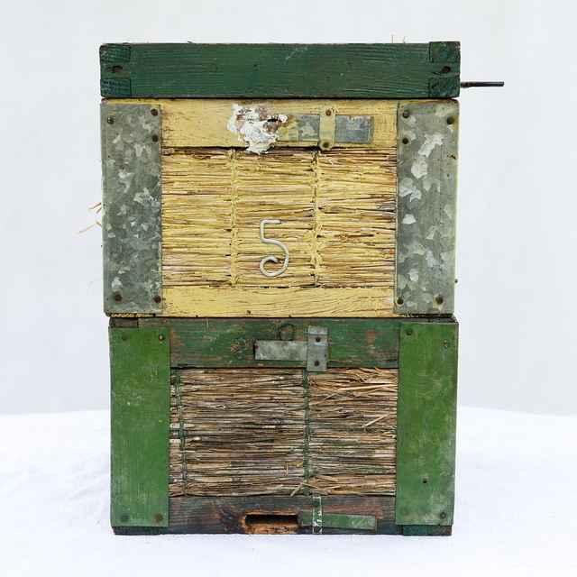 Slameno-drevený úľ 001-01