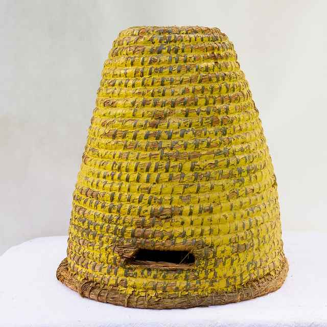 Slamený úľ z Banskej Štiavnice 002-01