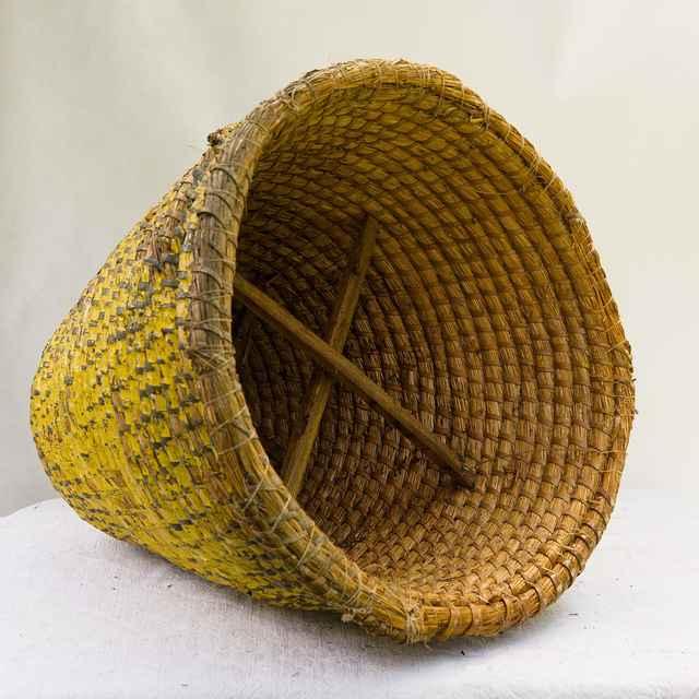 Slamený úľ z Banskej Štiavnice 002-03