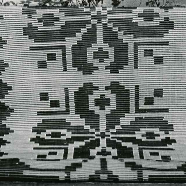 Tkaný koberec z Liptovskej Kokavy 011-01 - Núdziková, Júlia
