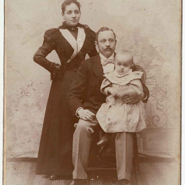 Fotografia-Portrét rodiny - Žakovski, Adolf