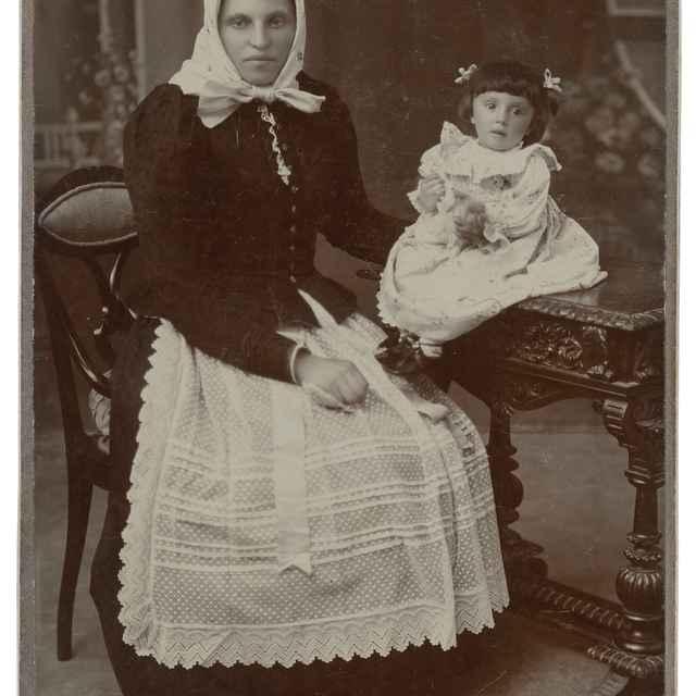 Portrét ženy s dieťaťom - Stern, Jozef