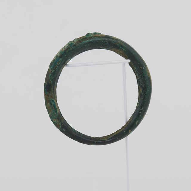 Bronzový náramok