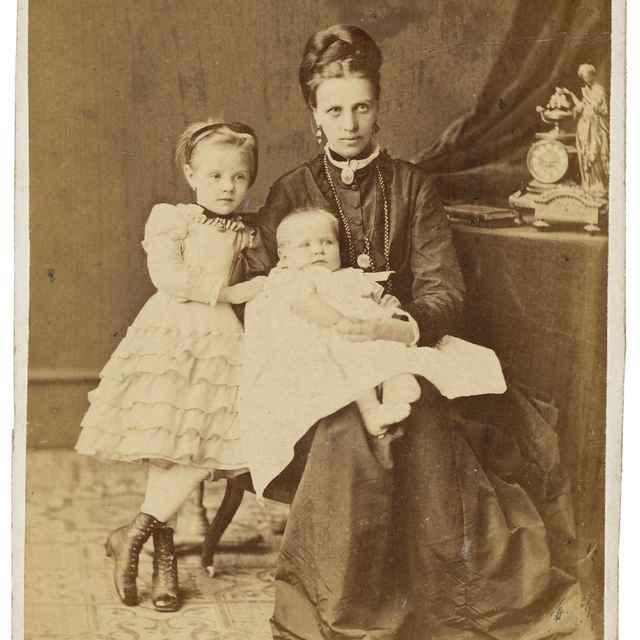 Portrét matky s deťmi - Kozič, Eduard