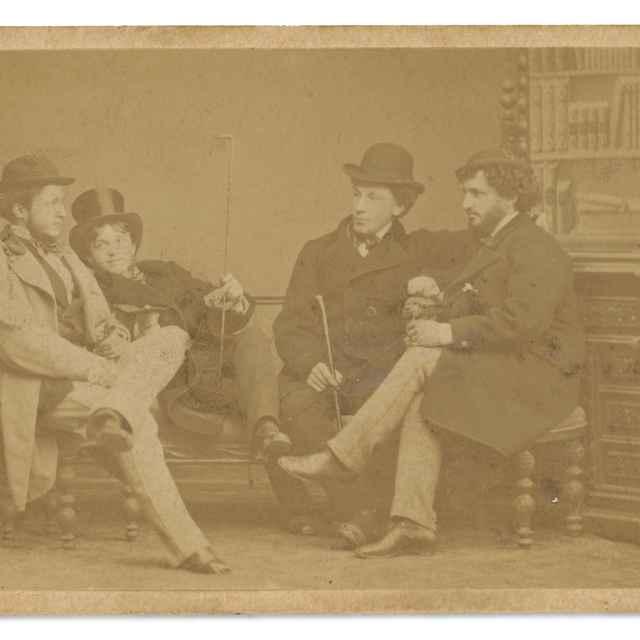 Skupinová fotografia štyroch mužov - Divald, Karol