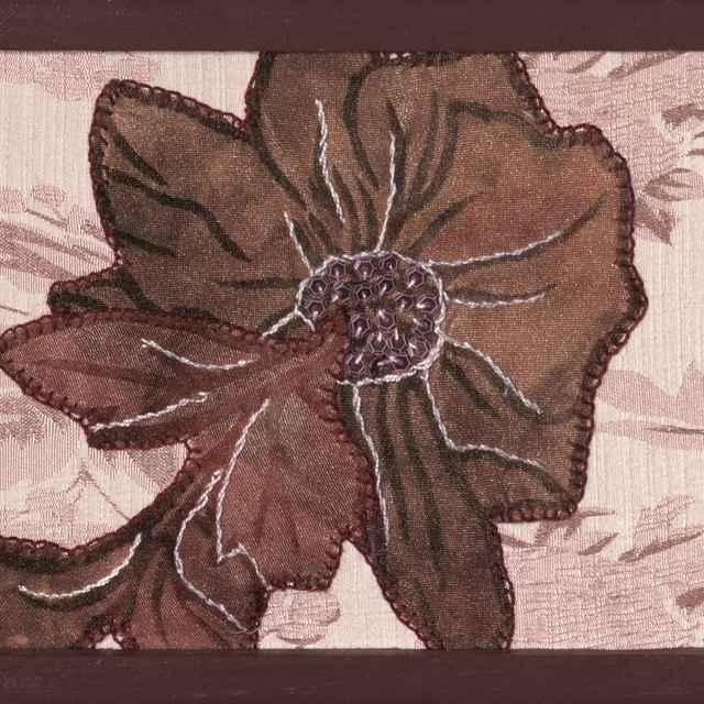 Bordový kvet