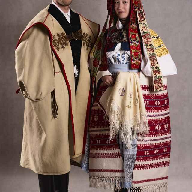 Odev svadobného páru zo Zvolenskej Slatiny 004-01